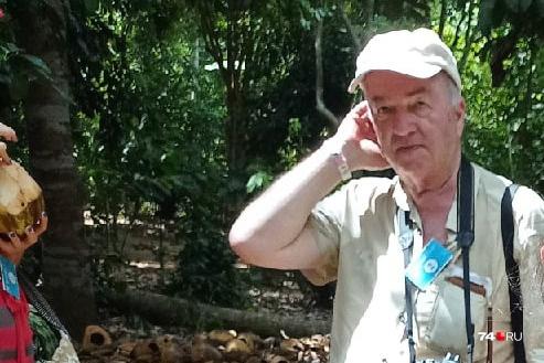 Это фото одна из туристок опубликовала под постом о поисках магнитогорца, на нем Сергей Розанов с фотоаппаратом на шее. Снимок сделан за два дня до его исчезновения