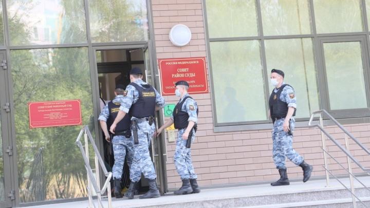 Суд выбирает меру пресечения стрелку из казанской гимназии