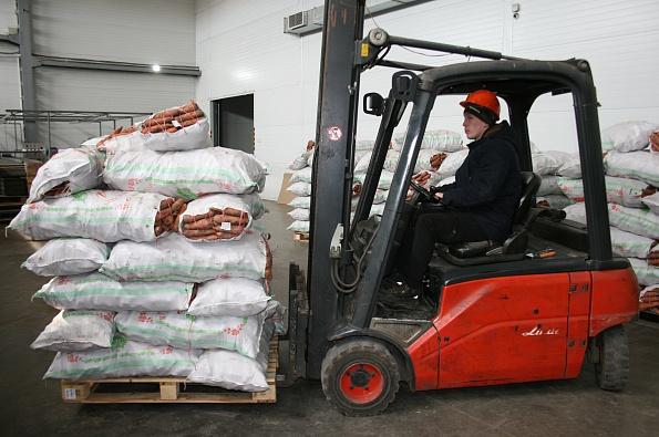 В Комсомольском поселении проверили стройку овощехранилища на 20тысяч тонн