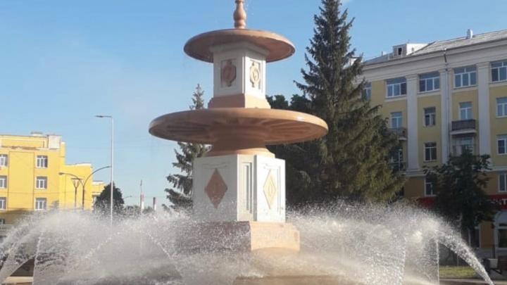 В Каменске-Уральском поставили фонтан, как в Петергофе. Он ломался уже четыре раза
