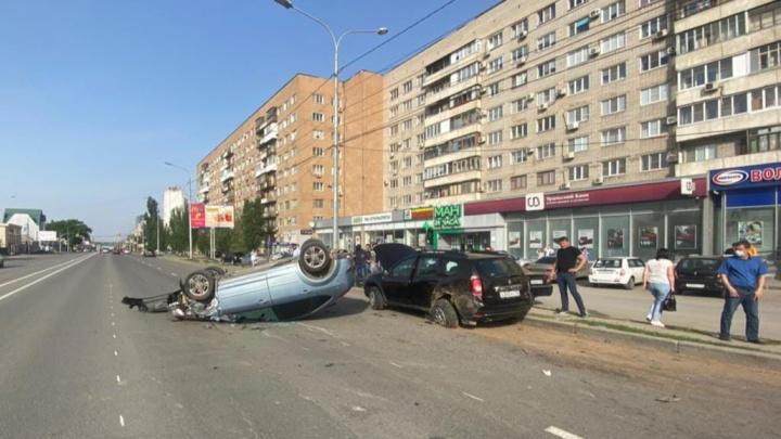 Серьезное ДТП в центре Волгограда, среди пострадавших есть ребенок
