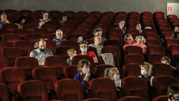 В нижегородские кинотеатры и фитнес-центры теперь можно попасть только со специальными документами