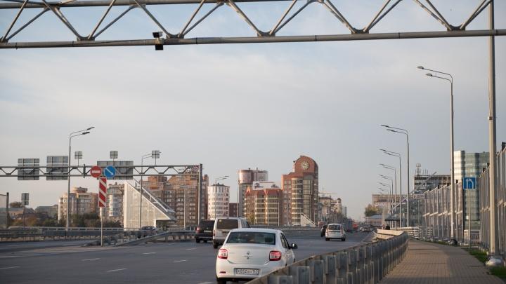 В Ростове закроют съезд с Ворошиловского моста и запретят парковаться на 6 улицах