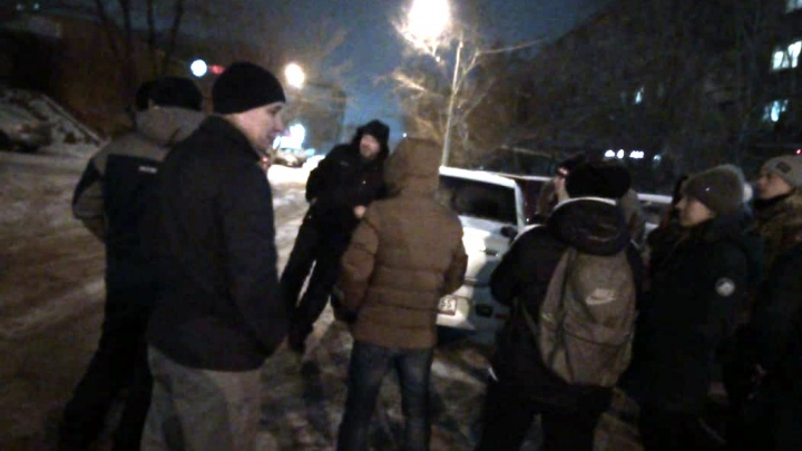 Водитель автобуса помог найти ребенка, который собирался уехать из Омска в Казахстан