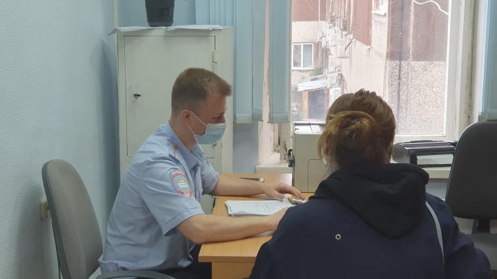 В Екатеринбурге девушку привлекли к ответственности за езду на электросамокате без прав