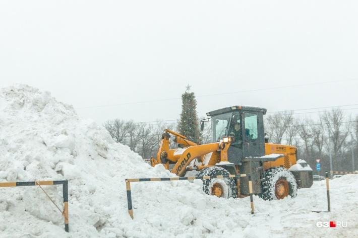Критику в адрес властей по качеству уборки снега жители высказывают каждый год