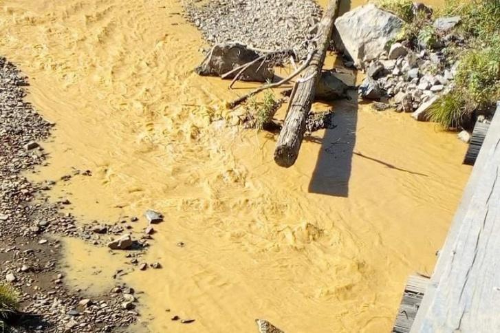 Такая вода текла в Кувае в начале сентября