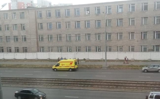 Могли довести до самоубийства: следователи ищут очевидцев смерти контрактника на Сортировке