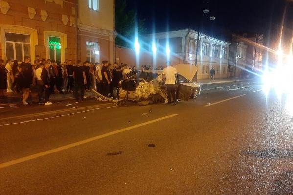 Свидетелями аварии стали сотни жителей Тюмени: в пятницу вечером в центре многолюдно