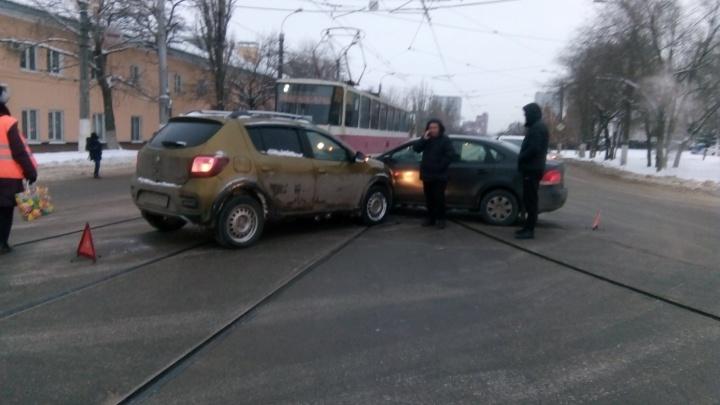 Волгоград в утренний час пик остался без трех трамвайных маршрутов