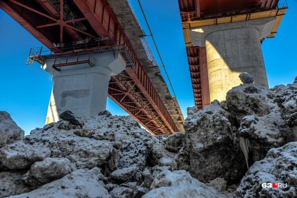 Так два моста выглядят с реки Сок