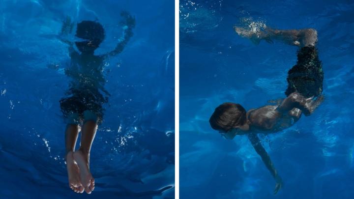 Снимки с новосибирским мальчиком в бассейне попали в PhotoVogue