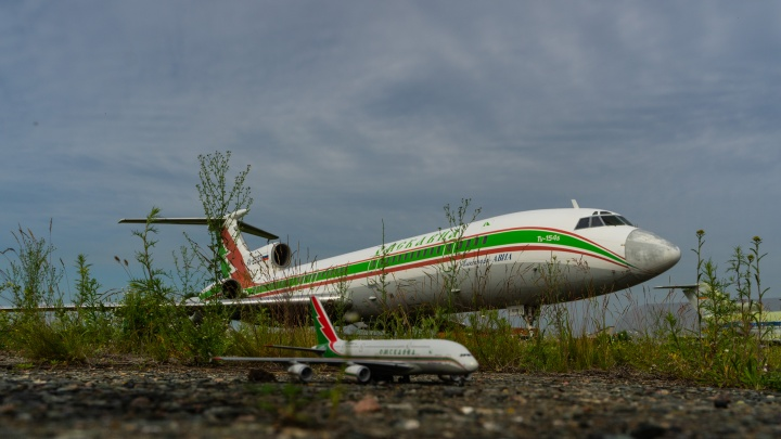 Губернатор рассказал о планах создания базовой авиакомпании в омском аэропорту