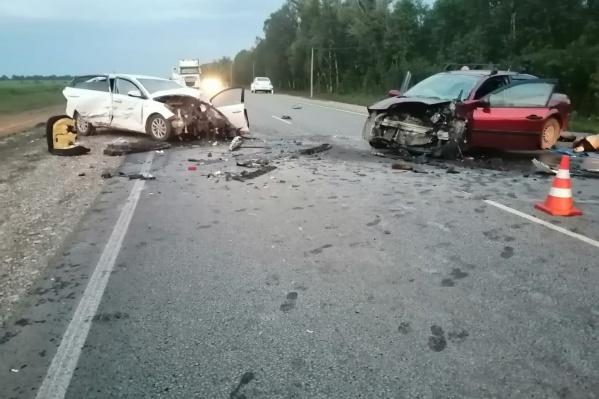 Из-за аварии пришлось временно ограничить движение на трассе
