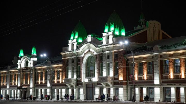 Подчеркнули архитектуру: на здании краеведческого музея смонтировали подсветку стоимостью в 2миллиона