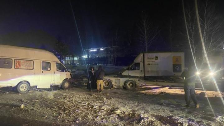 На Толмачевском шоссе, где зимой в ДТП пострадали 5 пассажиров маршрутки, установят освещение