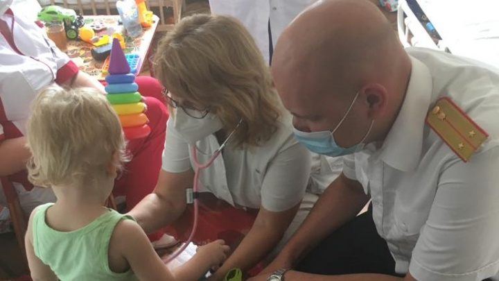 В Волгограде малыша, которого запирали в палате детской больницы, отпустили домой