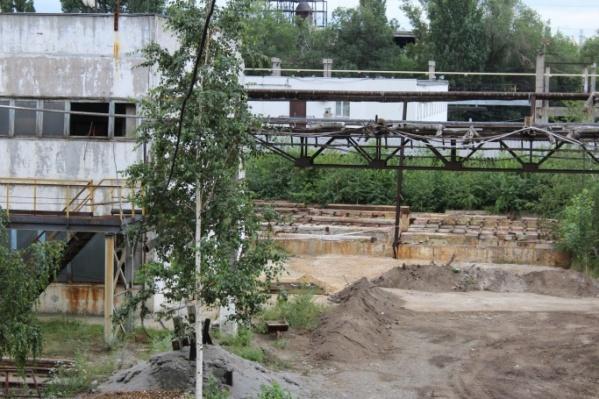 На землях завода нашли залежи токсичных отходов