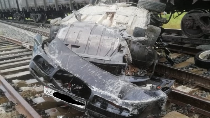 В Урдоме автомобиль попал под поезд
