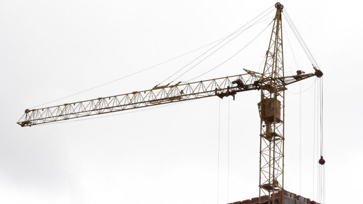 Трудовая инспекция накажет компанию за смерть рабочего, упавшего в строительный котлован