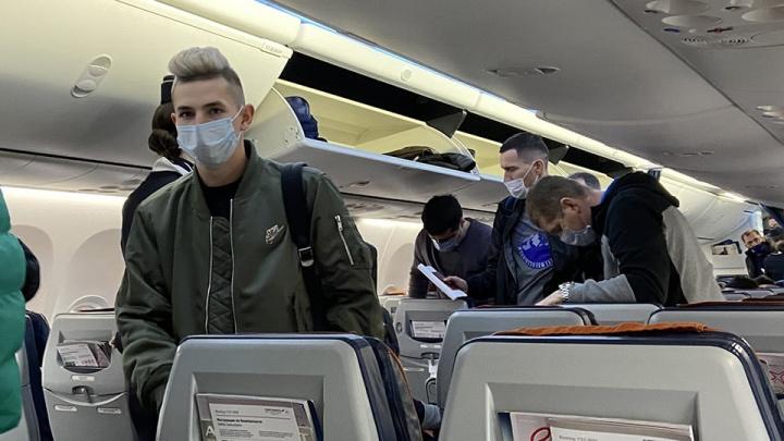 25 самарских футболистов улетели в Турцию