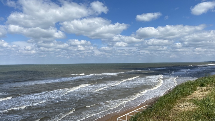 В Азовском море запретили купаться из-за микробов