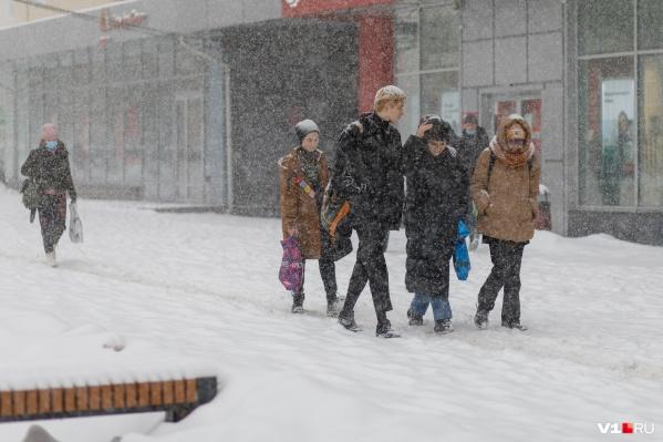 Зима в Волгограде и области берет реванш за неожиданную оттепель