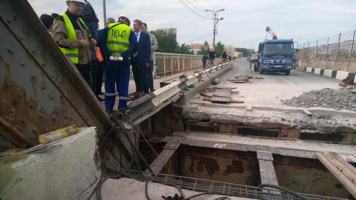 Северодвинский мост на две недели закрыли для ремонта: 29.RU смотрит, что там делают