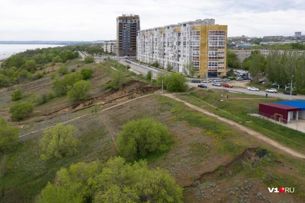 Под застройку хотят пустить склон между улицей Ярославской и набережной