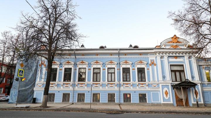 Тайные двери, три вида золота и розовый мрамор. Как идет реставрация Литературного музея Горького
