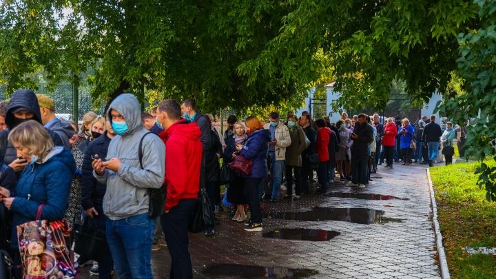 «Люди отрабатывают унизительные подачки»: сибирские политологи — об итогах выборов в регионе