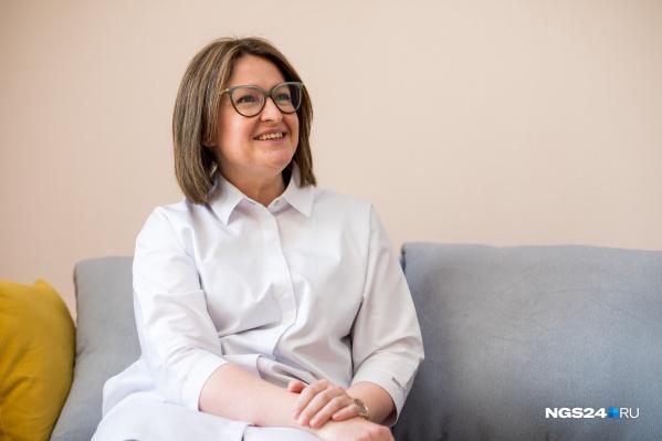 Ольга Воронина — врач-кардиолог, сейчас следит за контролем качества медицинской помощи, летом и осенью возглавляла ковид-госпиталь на Рокоссовского