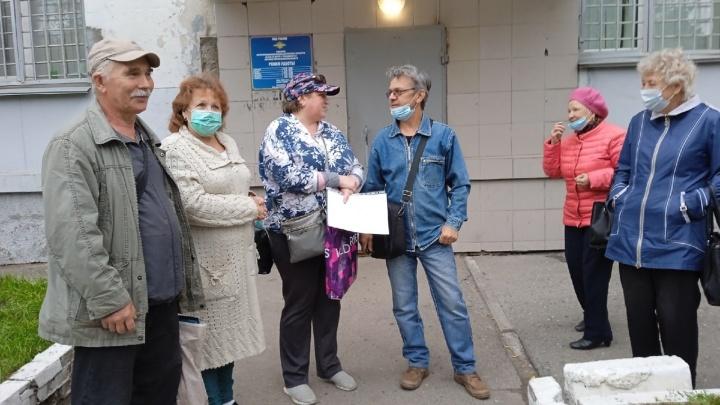«Брали кредиты и платили до 100 тысяч рублей»: более 100 омичей подали заявления на «бесплатную» юридическую помощь