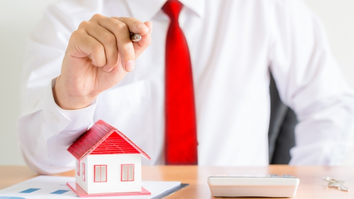 Мягкая сила или железная хватка: какая тактика работает на рынке недвижимости