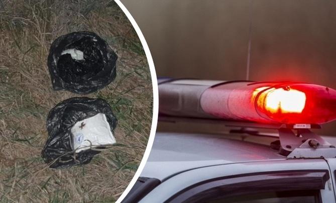 Сибиряк прогулялся по обочине без светоотражателя и выронил пакет возле машины ГИБДД — за что его арестовали?