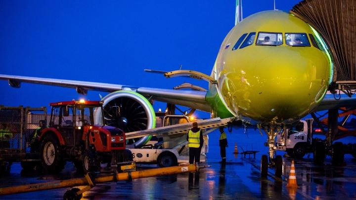 Самолет, летевший из Новосибирска, экстренно сел в Нижневартовске