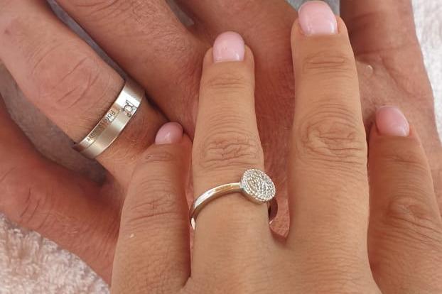 Кольцо, которое Джейсон подарил Юлии, он передал ее родным