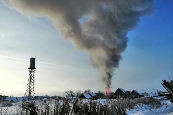 Пожар уничтожил дом 71-летнего мужчины