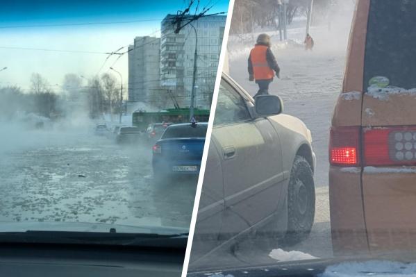 Водители вынуждены буквально плыть по улице