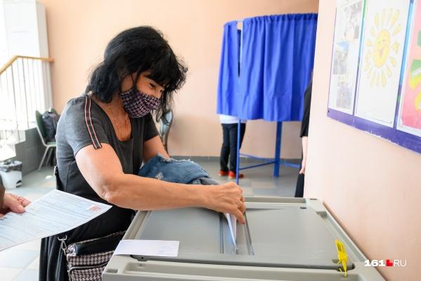Во второй день выборов проголосовали 12,6% избирателей