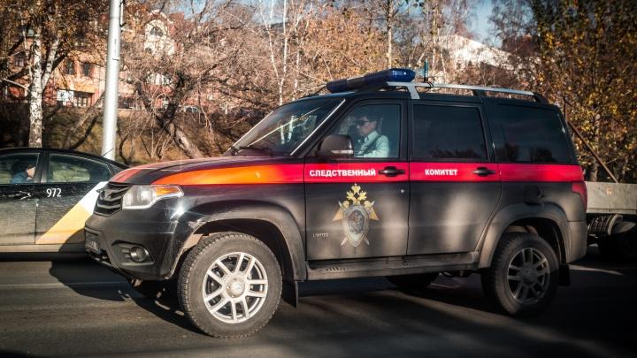 В НСО разыскивают подозреваемого в педофилии — его жена заявила, что пострадала 15-летняя девочка