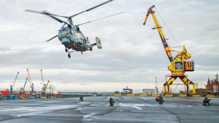 Североморцы освободили дудинский порт от «захватчиков»
