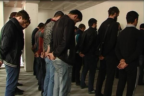В молельном доме задержали более 50 приверженцев организации