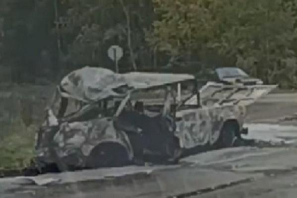 «Жигули» сгорели после столкновения с Volvo. Скрин с записи видеорегистратора