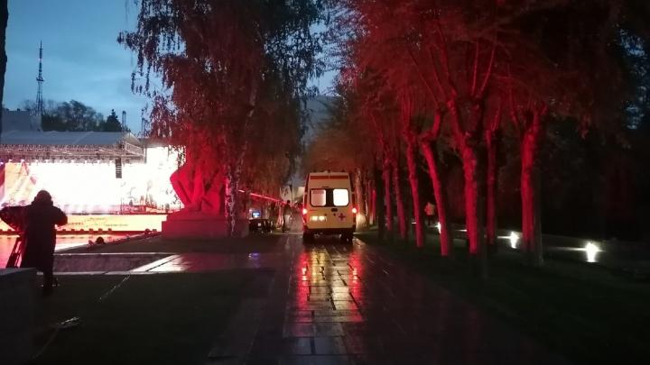 На Мамаевом кургане Волгограда перед праздничным концертом ранен человек