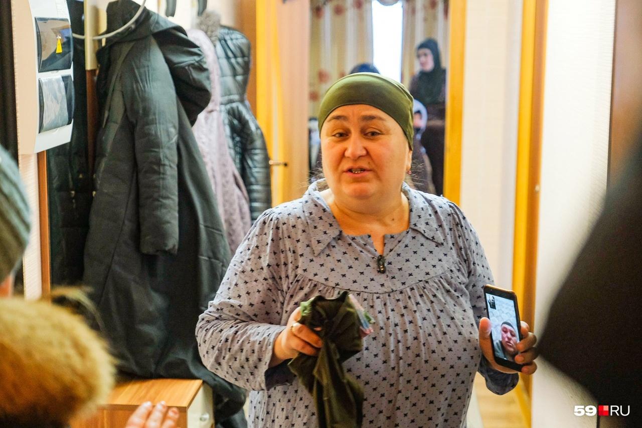 Глава женсовета таджикской диаспоры в доме матери убитой девушки