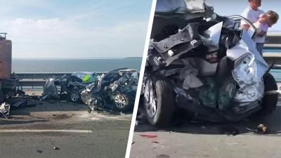 «Машину расплющило, как прессом»: появилось видео момента смертельного ДТП на Президентском мосту