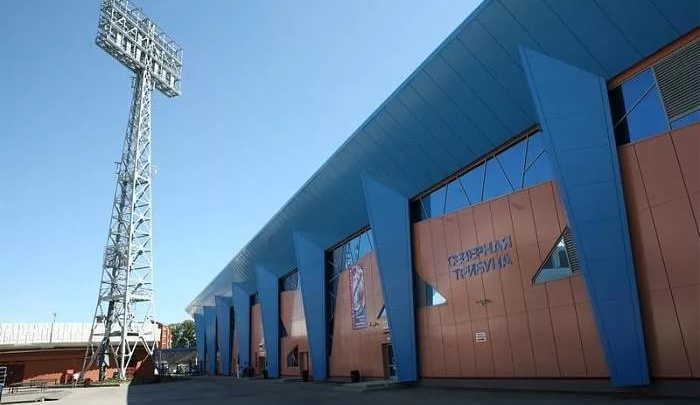 Мэр Кемерова рассказал, что происходит с легендарным стадионом «Химик» в центре города