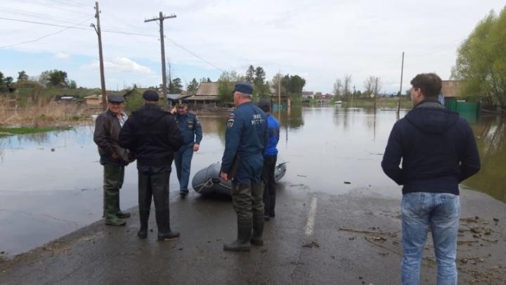 МЧС направляет дополнительные силы в затопленные районы. Что там сейчас происходит