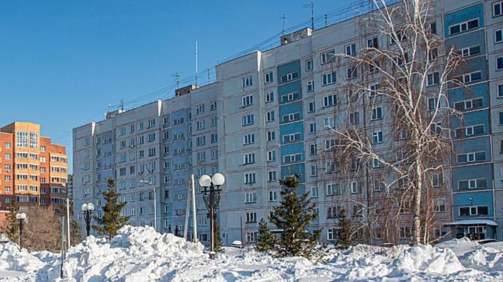 Новосибирец выпал из окна 9-этажки в Советском районе